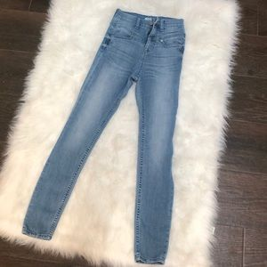 BDG Light Wash High Rise Ankle Length Jeans